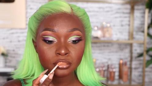 印度黑人是怎么化妆的?前后简直是两个人!绿色的头发是什么鬼