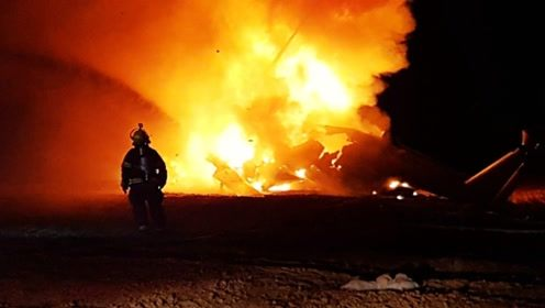 以军一架直升机爆炸成火球,正等待事故调查结果