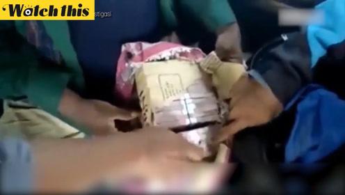 印尼最富乞丐被警方逮捕时拿着上百万人民币 乞丐称这是四年乞讨的收入