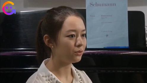 郎朗妻子吉娜18岁采访视频曝光,还不会东北话,素颜婴儿肥青涩甜美