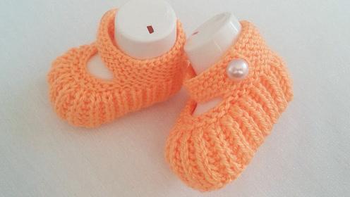 毛线编织教程,婴儿系扣袜套的编织方法!