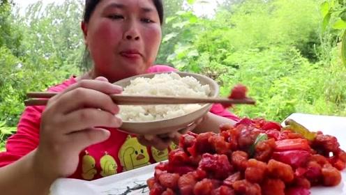 这个天气吃不下饭?胖妹做菠萝咕咾肉下饭吃,酸甜滋味很开胃!