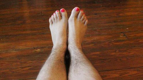 """世界上腿毛""""最贵""""的女人,她的一根腿毛,就够普通人奋斗一辈子"""