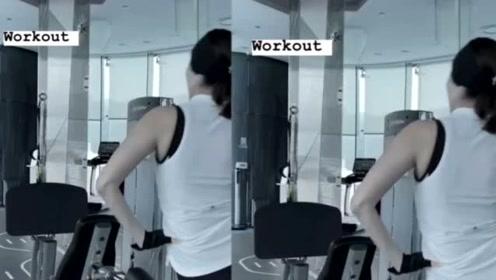 49岁李嘉欣晒健身照秀强壮背肌 秀发浓密惹人羡