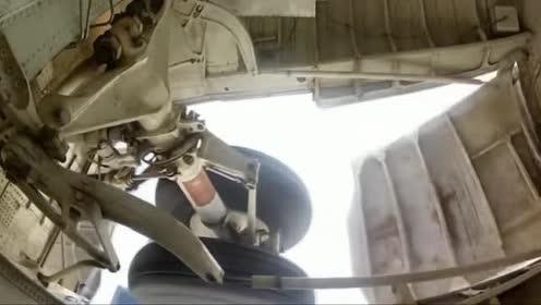 飞机内部起落架工作时候原来是这样子的!
