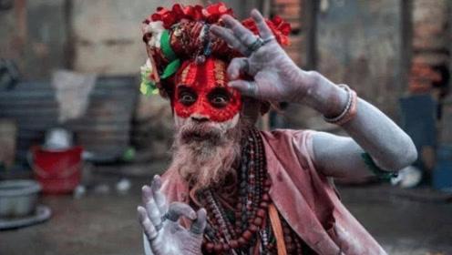 """印度旅游遇见""""苦行僧"""",为什么不能合影拍照?导游:千万别靠近"""
