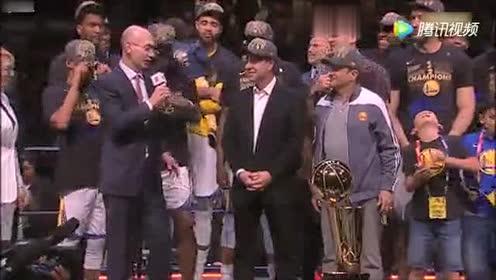 捧杯时刻 20172018赛季NBA总冠军属于金州勇士