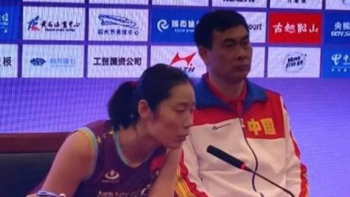 女排世俱杯中国创最差战绩!朱婷这块遮羞布也没了 球迷大骂陈友泉