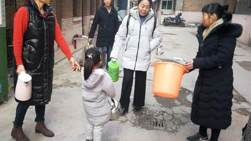 俩学校掐架拖欠水费20多万元西安高级中学家属院130户没水吃