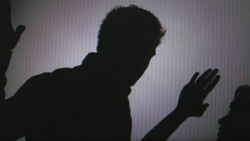 广东抵制精神暴力拟入法:那些目睹家暴的孩子,也是受害者