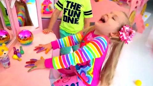 臭美的小萝莉,把指甲油涂得到处都是,贴心的小哥哥帮她洗干净