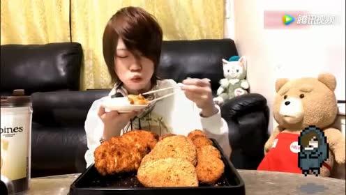 日本大胃王直播吃油炸大鸡排!隔着屏幕都感觉到好吃!