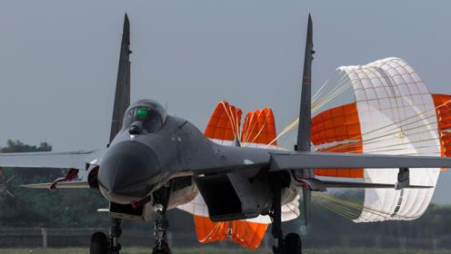 中国战机降落用减速伞,为何美国战机不用?是减速伞质量不好么?