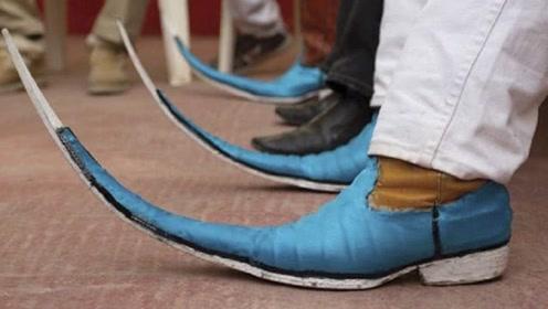 """世界最长的""""皮鞋"""",穿上后走路不适应,网友:鸭子都比你快"""