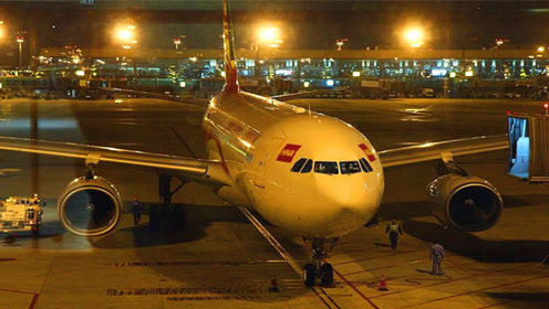 为啥说夜间飞机最好别坐?主要有这2个原因,看完还敢坐吗?