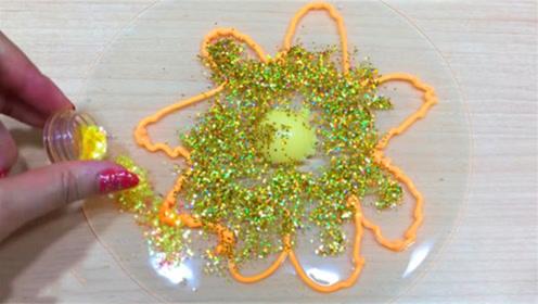 DIY史莱姆教程,透明水晶泥+亮彩粉+婴儿油+眼影,猜猜效果怎样?