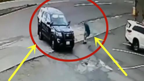 小伙作死对抗警察,不料被一招制服,监控拍下作死瞬间!