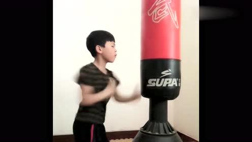 果真高手在民间,男孩出拳速度太快,连摄像机也无法捕捉