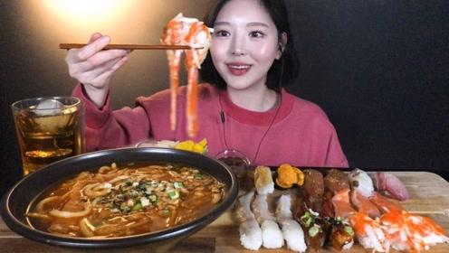 美女吃播吃乌冬面,生鱼片和鳗鱼寿司,一口一个吃的太过瘾了!