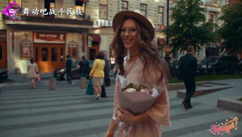"""每一张街拍都能当""""海报""""!俄罗斯女孩的气质果然一流"""