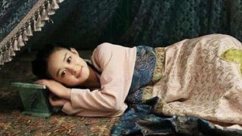 """古代人睡觉为何用""""瓷枕"""",这么硬枕着不难受吗?专家:方便女子"""
