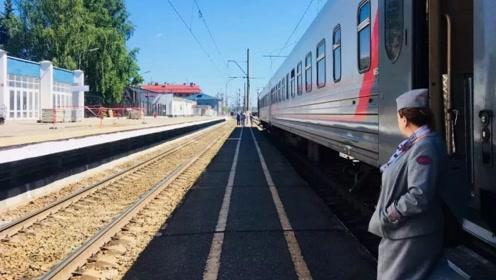 """一个月只有1名乘客的""""孤独""""火车站,为什么不拆除?真相让人觉得伤感!"""