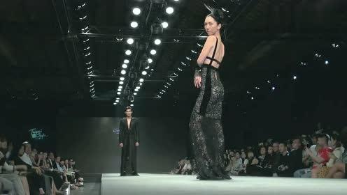 时装秀:时尚奢华薄纱装,超模登场魅力四射!