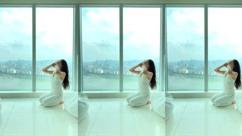 瑜伽体式,让血液滋养胸部,预防下垂,没事多练练