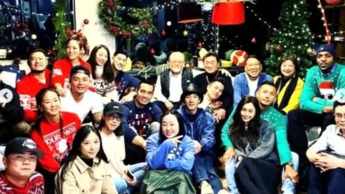 范玮琪王力宏陪高以翔爸爸提前过圣诞,高父弹吉他心情渐好