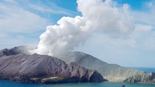 新西兰火山喷发时岛上47人国籍已确认 事发后38人仍前往该岛旅游