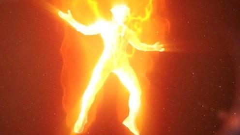 奥特曼-火箭战士身体燃烧着,要用身体燃烧整片海洋,场面燃爆!