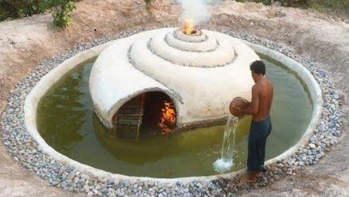 """越南小伙回农村,野外掏出""""蜗居""""泳池,钻进去时太惊艳了!"""