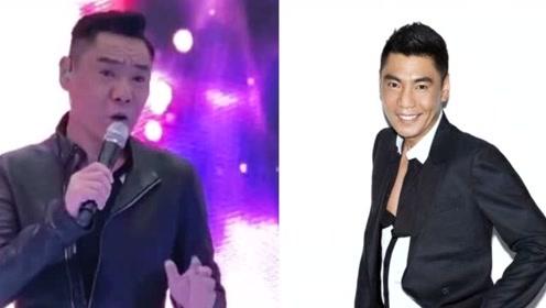 歌手屠洪刚近照曝光 穿皮夹克身姿挺拔 52岁仍帅如小伙