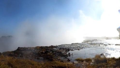 """非洲有名的""""魔鬼泳池"""",下面就是悬崖,网友:天堂和地狱共存!"""