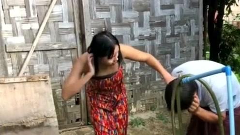 中国老哥看到缅甸女友做这个,缅甸女孩直言:你得娶我!