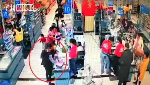 四川一女子超市内盗窃猪肉近6斤被警方行拘5天