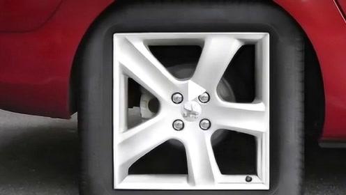 轮胎只能是圆的?外国小伙研发出一个方形轮胎,跑起来的样子非常古怪