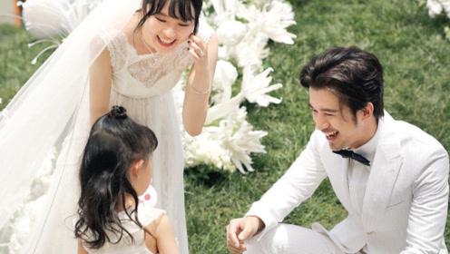 演员黄璐与相恋7年男友离婚!两人去年补办婚礼,女儿当花童送婚指
