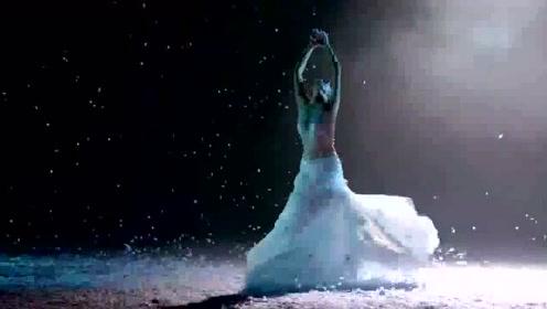 《孔雀之冬》:杨丽萍老师的孔雀仙子果然名不虚传,震撼了