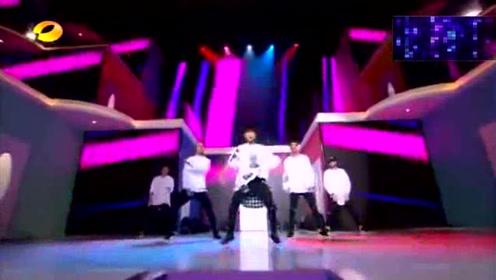 舞蹈担当易烊千玺综艺首秀,一个人都能撑起一片天,你说是不是呢