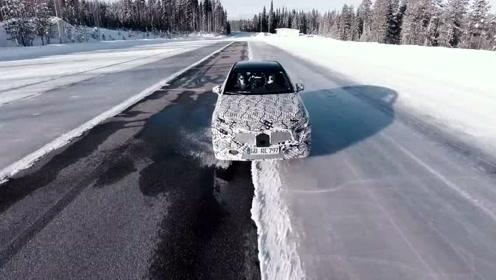 全新奔驰A级 冰雪测试