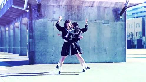 两个长腿妹纸的劲爆热舞 舞蹈高手看了都佩服