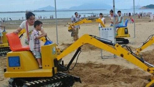 挖掘机在地面上画圈圈,谁知道它接下来要干嘛?