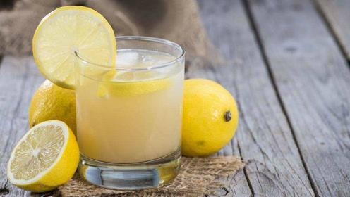 泡柠檬水注意这2点,既好喝营养价值又高,可惜很多人都做错了