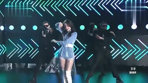 浙江卫视跨年演唱会 迪丽热巴表演舞蹈《Despacito》