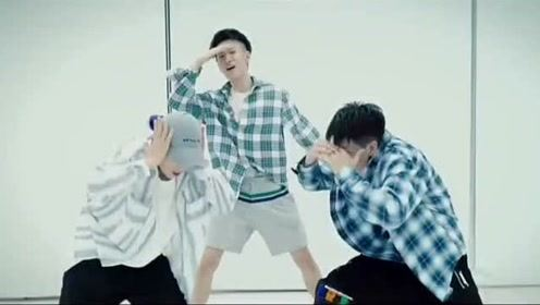 防弹少年团《fake love》舞蹈视频