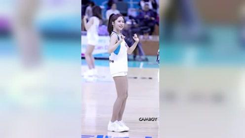 花容月貌的篮球宝贝啦啦队员,元气满满的长腿美少女