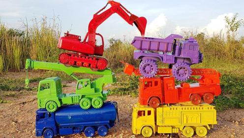 儿童趣味活动工程车玩具在停车场换颜色视频