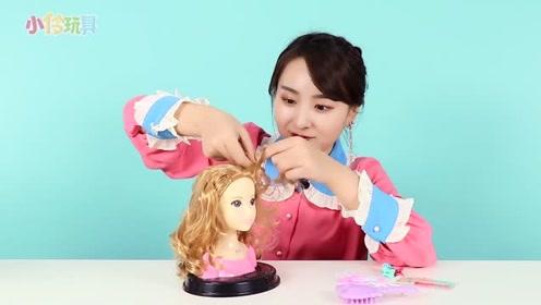 悦儿发型设计师也来啦!小伶玩具图片