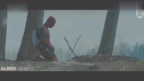 《死侍2》片段,当死侍找到了狼叔的墓时,做了这样的事
